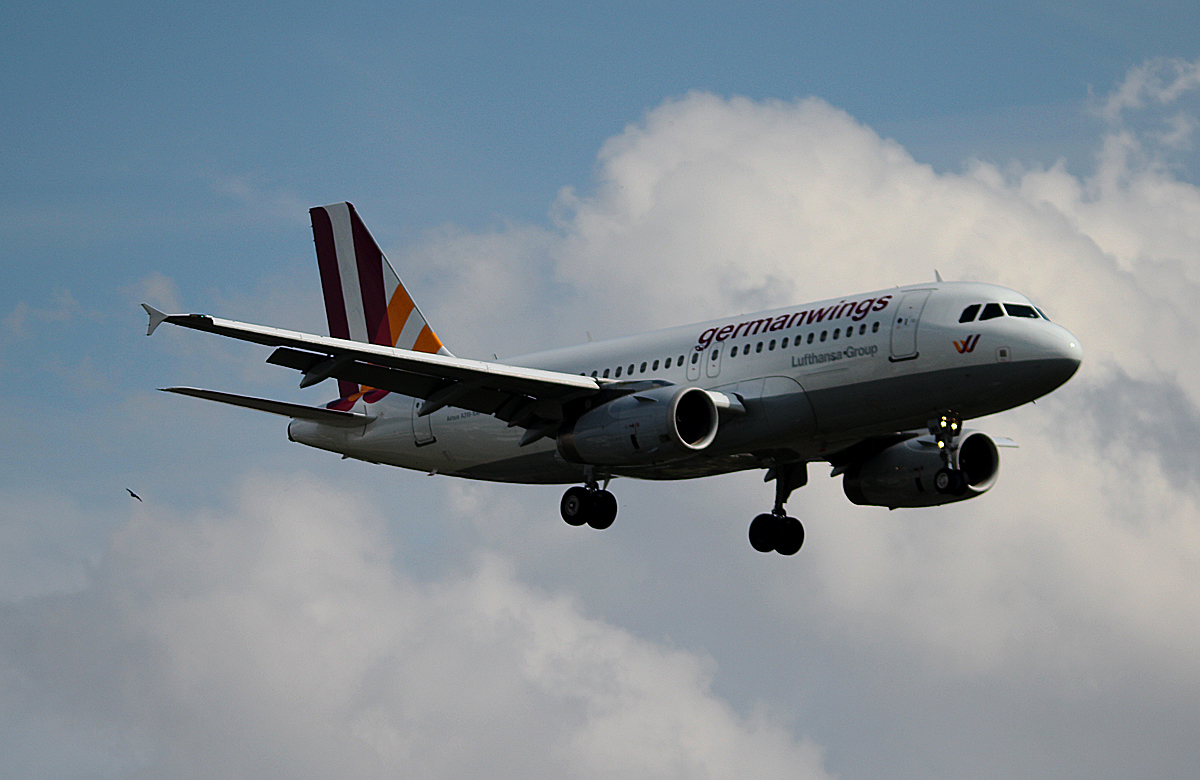 Germanwings A 319-132 D-AGWR bei der Landung in Berlin-Tegel am 09.05.2014