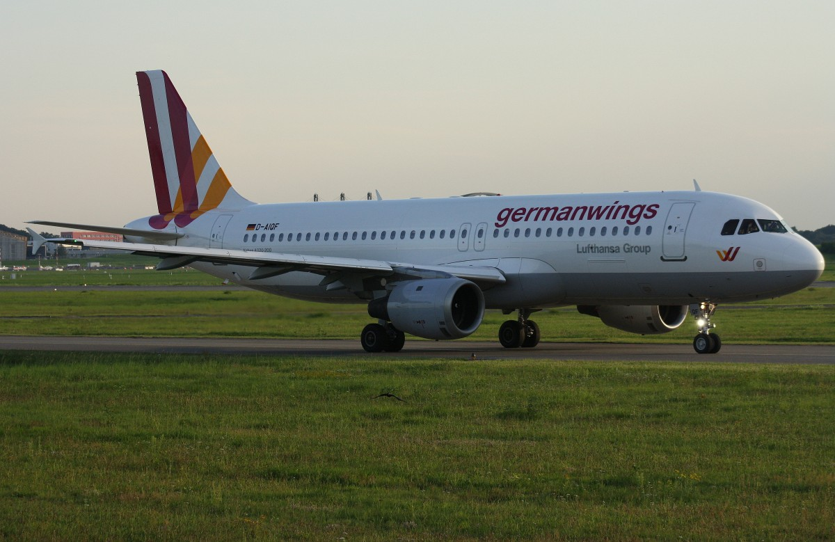 Germanwings, D-AIQF, (c/n 216),Airbus A 320-211, 31.08.2015, HAM-EDDH, Hamburg, Germany