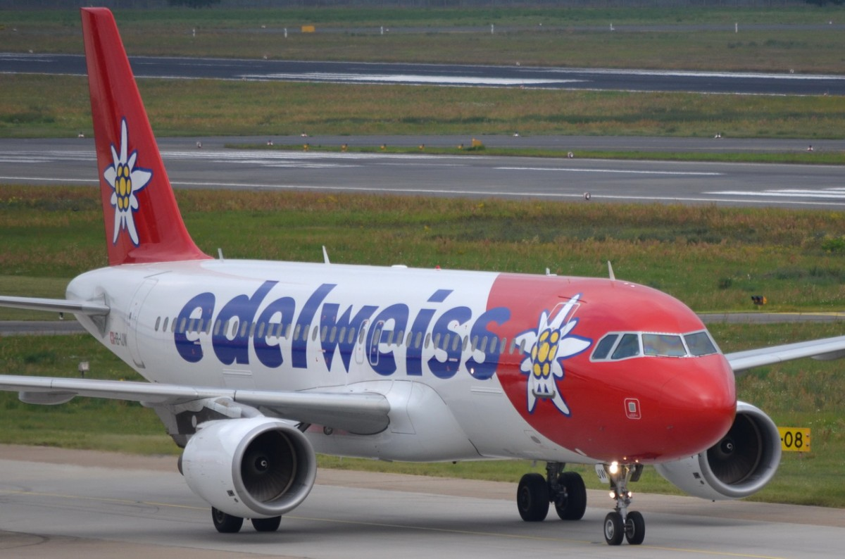 HB-IJW Edelweiss Air Airbus A320-214    in Tegel am 20.08.2014 gelandet