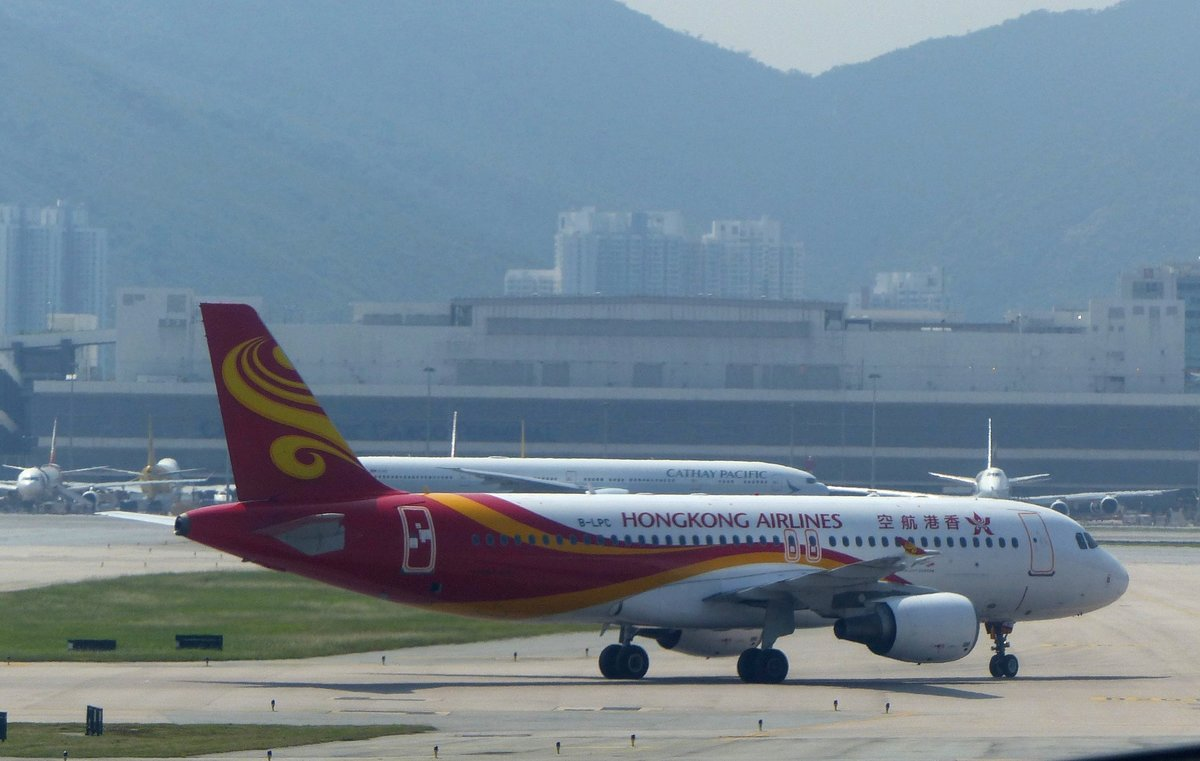 Hongkong Airlines, Airbus A 320-214, B-LPC auf dem Hong Kong International Airport (HKG) am 12.9.2019