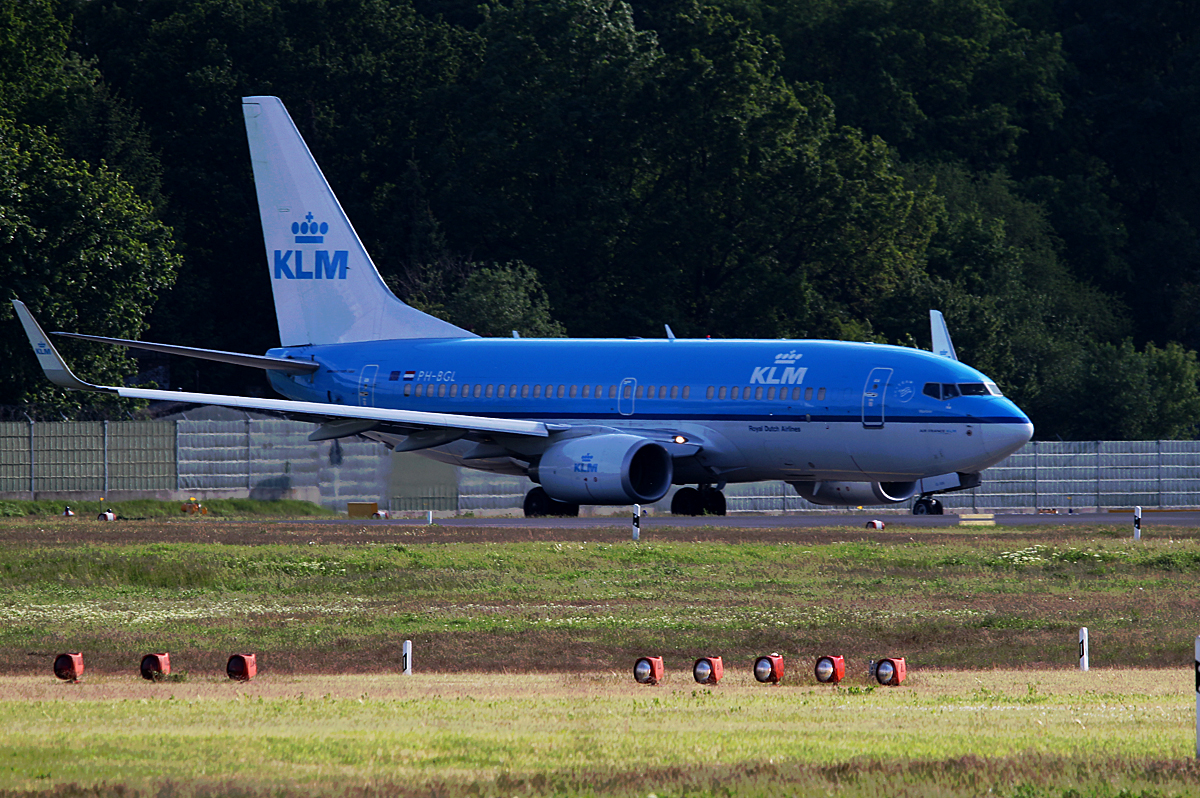 KLM B 737-7K2 PH-BGL kurz vor dem Start in Berlin-Tegel am 09.05.2014