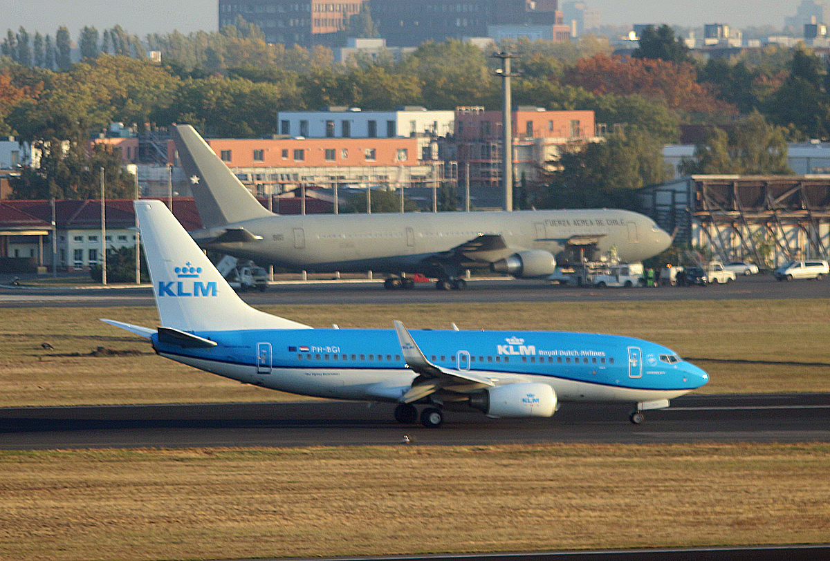 KLM, Boeing B 737-7K2, PH-BGI, Chile Air Force, Boeing B 767-3YO(ER), 985, TXL, 11.10.2018