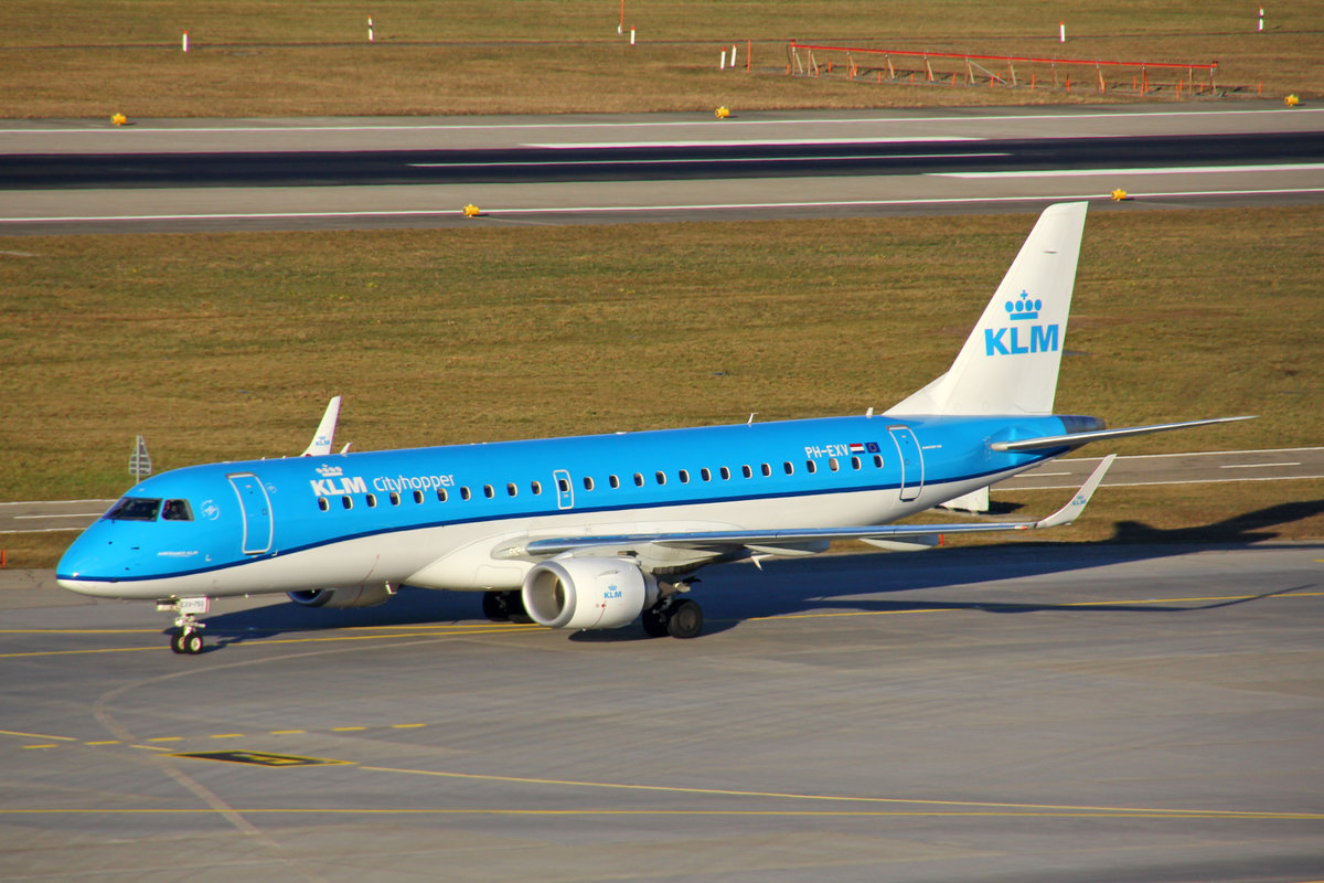 KLM Cityhopper, PH-EXV, Embraer EMB-190STD, msn: 19000750, 24.Februar 2019, ZRH Zürich, Switzerland.