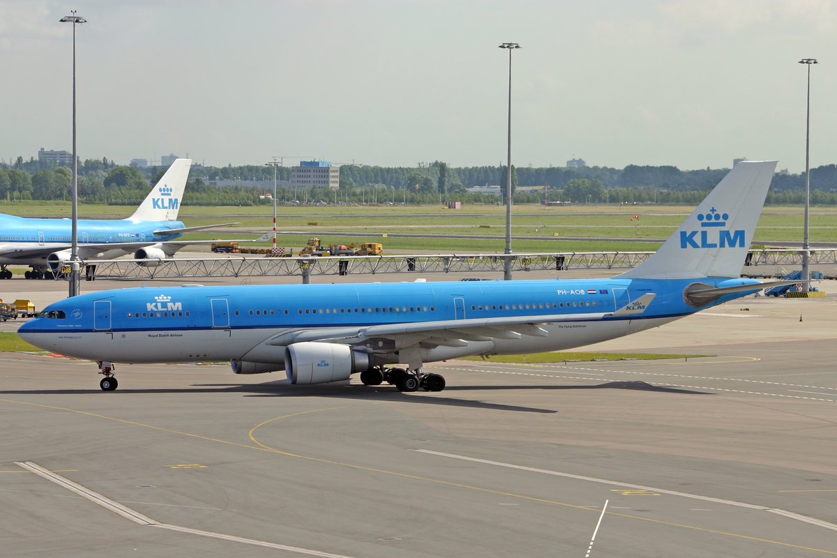 KLM Royal Dutch Airlines, PH-AOB, Airbus A330-203, msn: 686, 15.Juli 2009, AMS Amsterdam, Netherland.