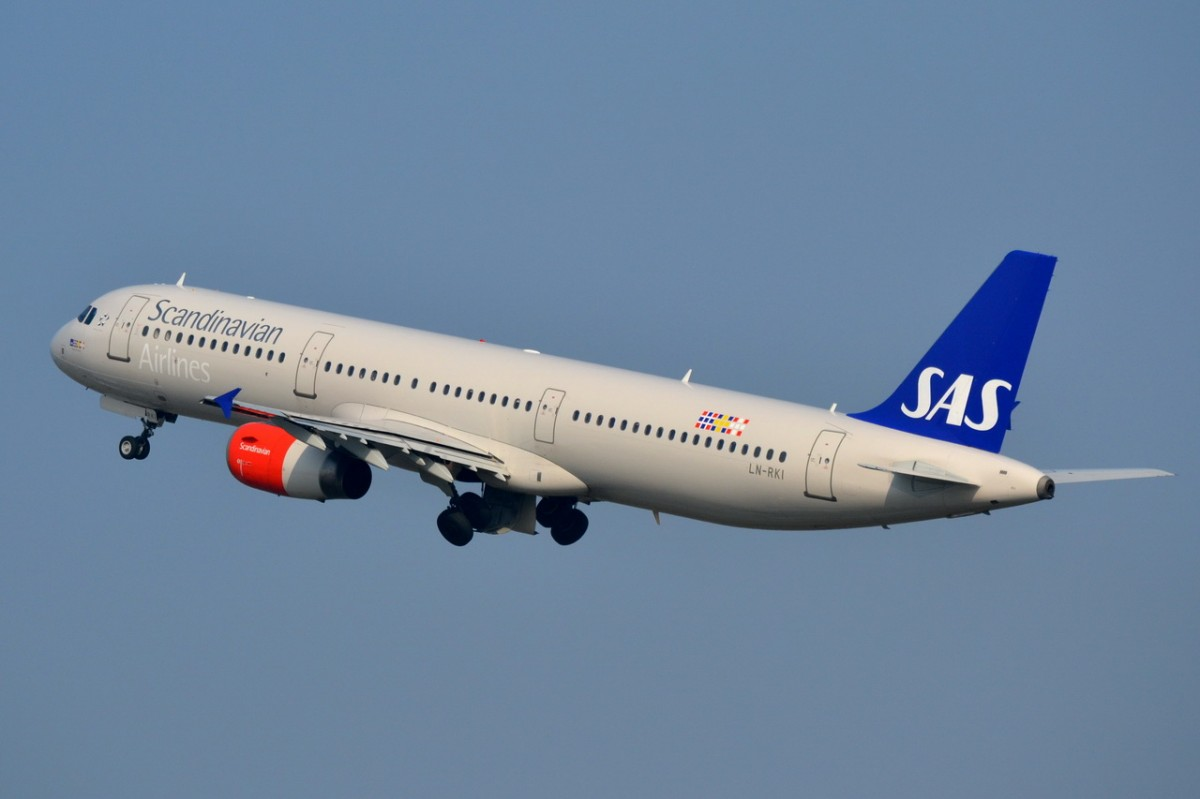 LN-RKI SAS Scandinavian Airlines Airbus A321-232   gestartet am 03.04.2014 in Tegel
