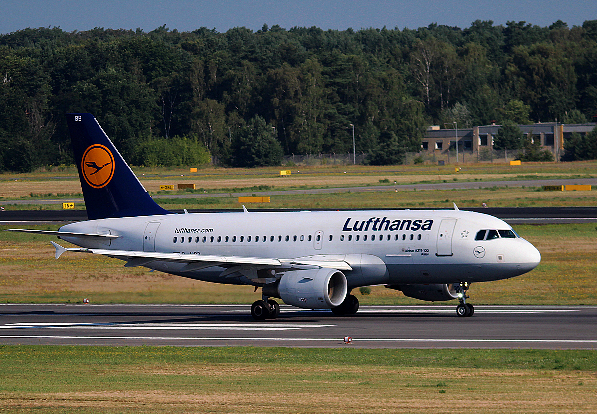 Lufthansa A 319-112 D-AIBB beim Start in Berlin-Tegel am 11.07.2014