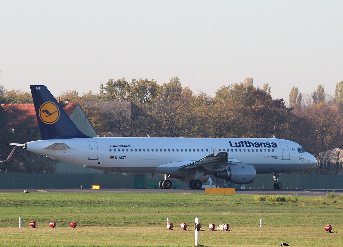 Lufthansa A 320-211 D-AIQT  Gotha  kurz vor dem Start in Berlin-Tegel am 31.10.2013