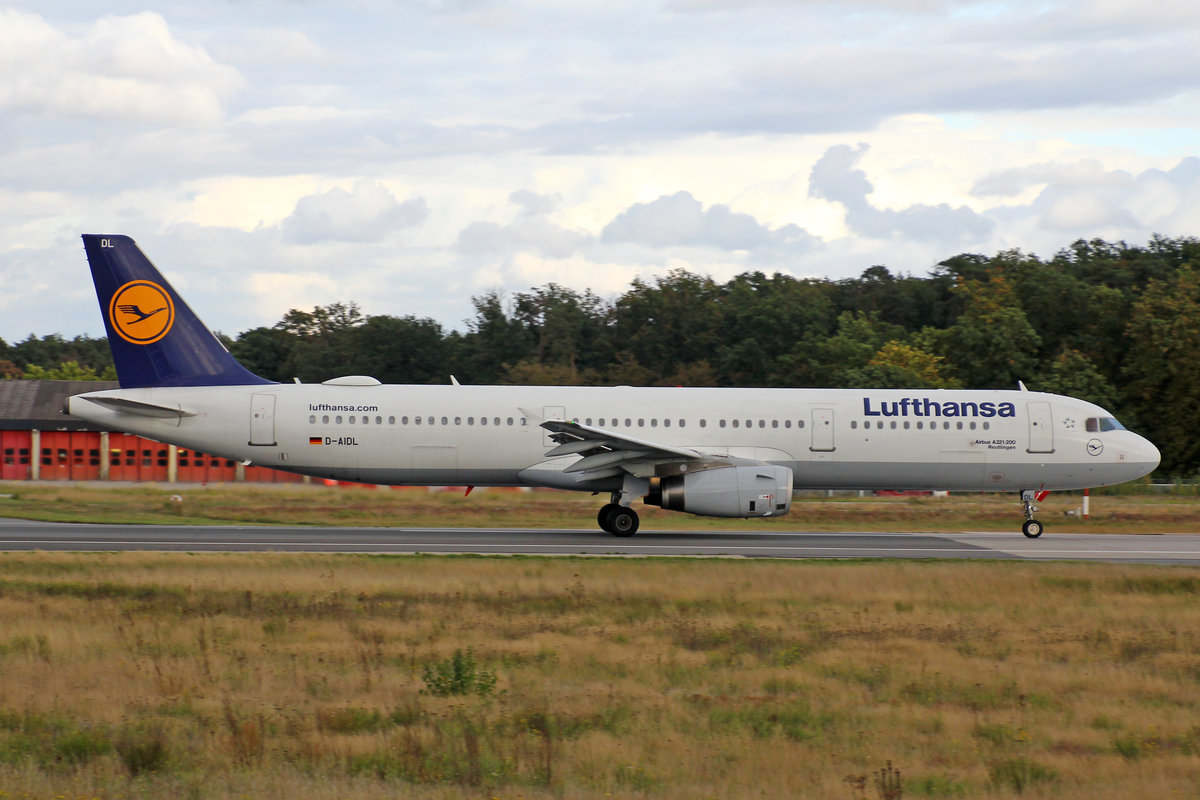 Lufthansa, D-AIDL, Airbus A321-231,, msn: 4881,  Reutlingen , 28,September 2019, FRA Frankfurt, Germany.