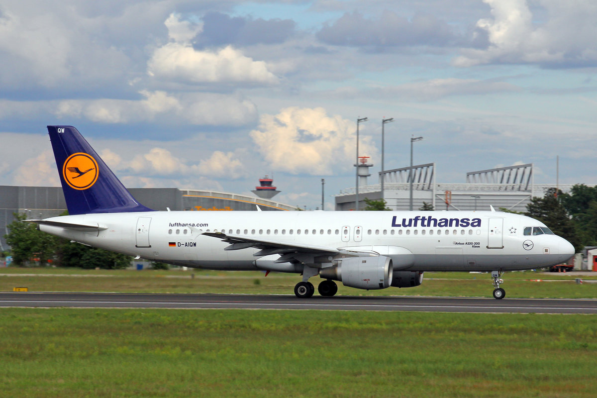 Lufthansa, D-AIQW, Airbus A320-211,  Kleve , 20.Mai 2017, FRA Frankfurt am Main, Germany.