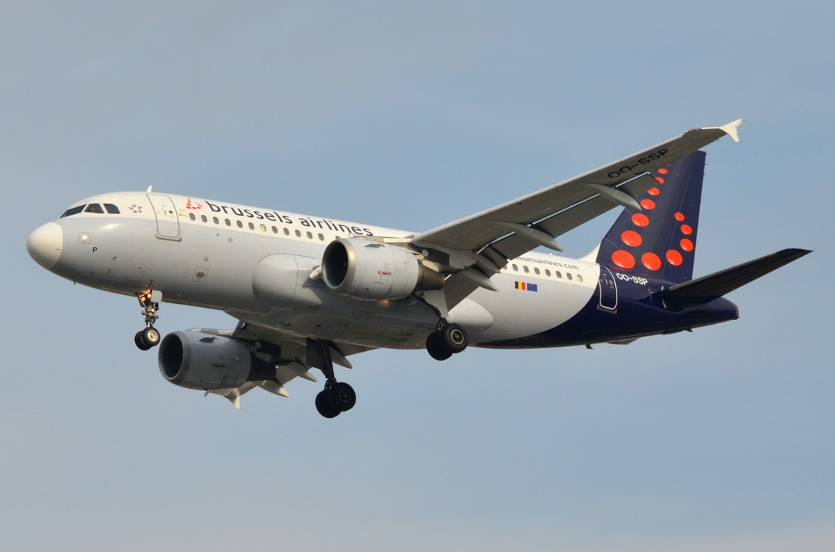 OO-SSP Brussels Airlines Airbus A319-113    Anflug Tegel am 05.11.2014
