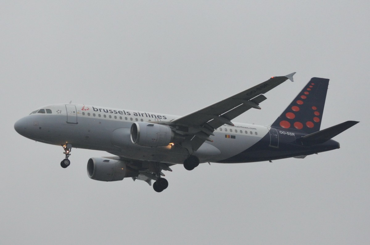 OO-SSR Brussels Airlines Airbus A319-112    in Tegel beim Anflug am 13.11.2014