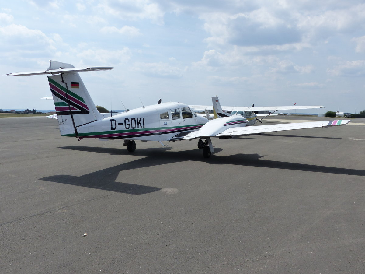 Piper PA-44-180T Turbo Siminole, D-GOKI auf dem Vorfeld in Gera (EDAJ) am 20.7.2018