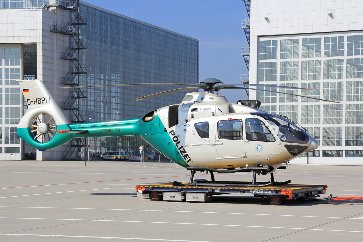 Polizei Bayern, D-HBPH, Eurocopter EC-135P2+, 24.September 2016, MUC München, Germany.