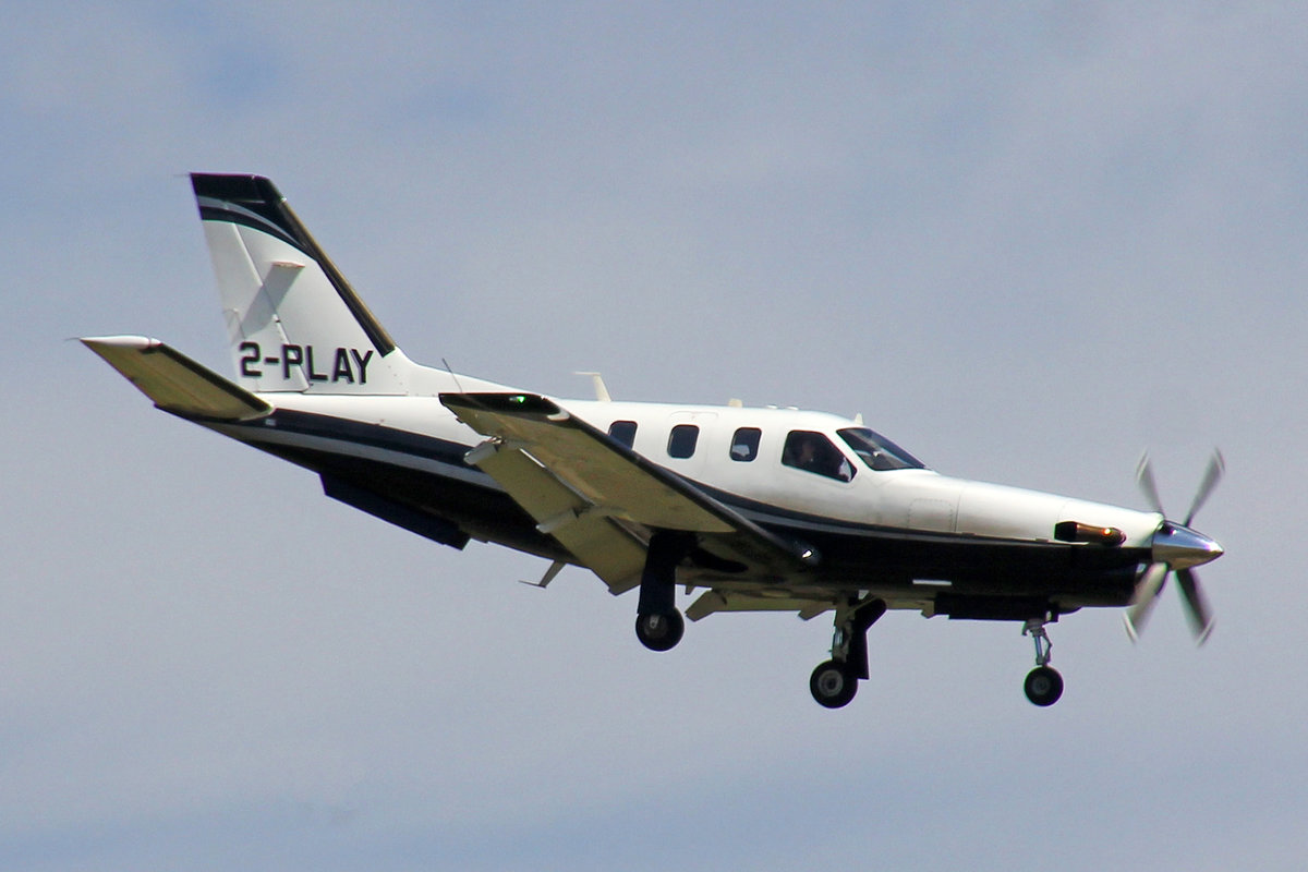 Private, 2-PLAY, Socata TBM 700, msn: 302, 01.August 2019, ZRH Zürich, Switzerland.