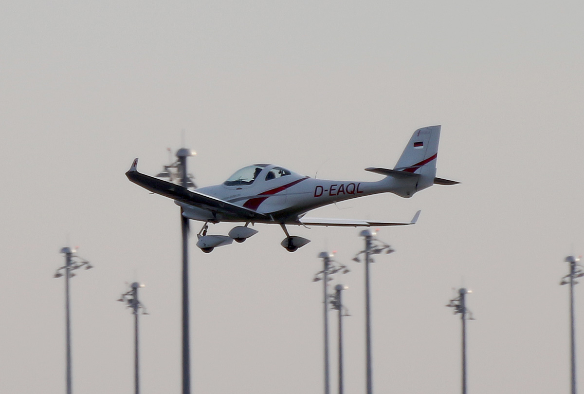 Private Aquila A-210, D-EAQL, BER, 06.12.2020