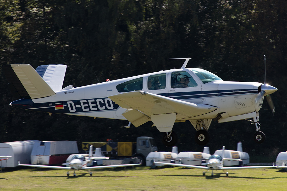 Private, D-EECO, Beech, V35B Bonanza, 13.09.2019, EDST, Hahnweide, Germany