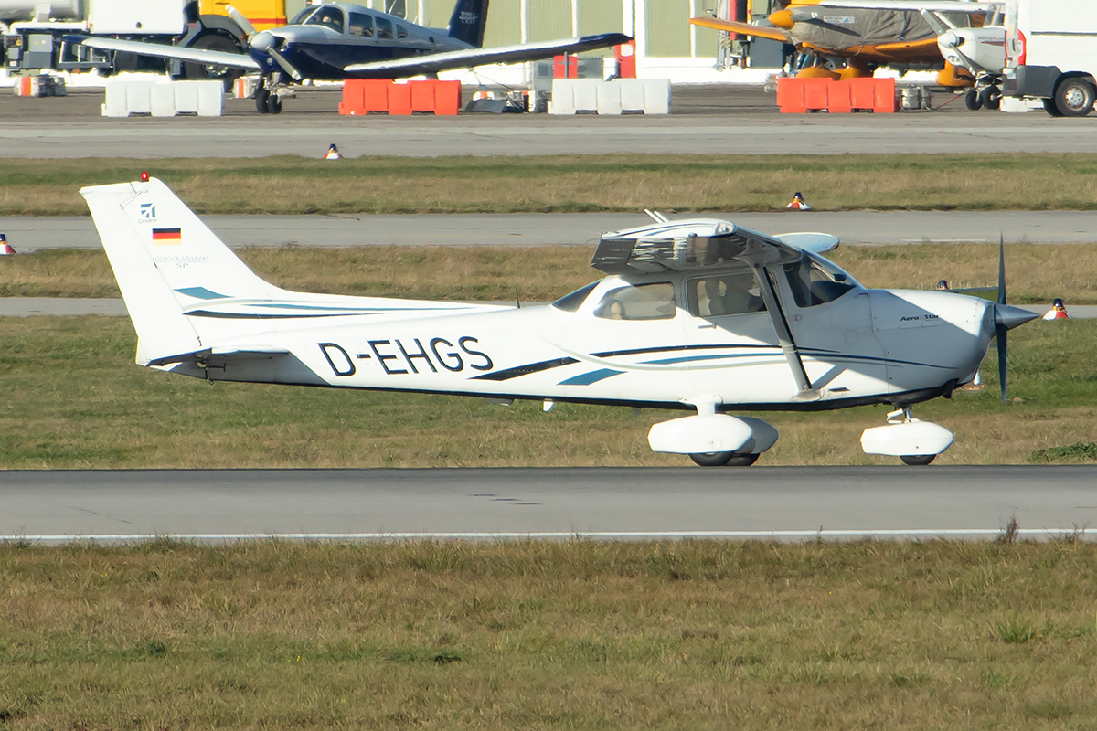 Private, D-EHGS, Cessna, 172S Skyhawk SP, 03.12.2019, STR, Stuttgart, Germany