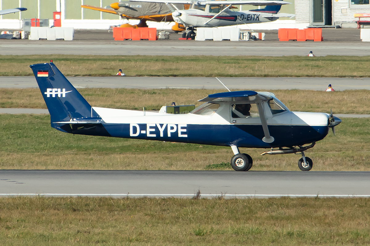 Private, D-EYPE, Reims-Cessna, F152, 03.12.2019, STR, Stuttgart, Germany