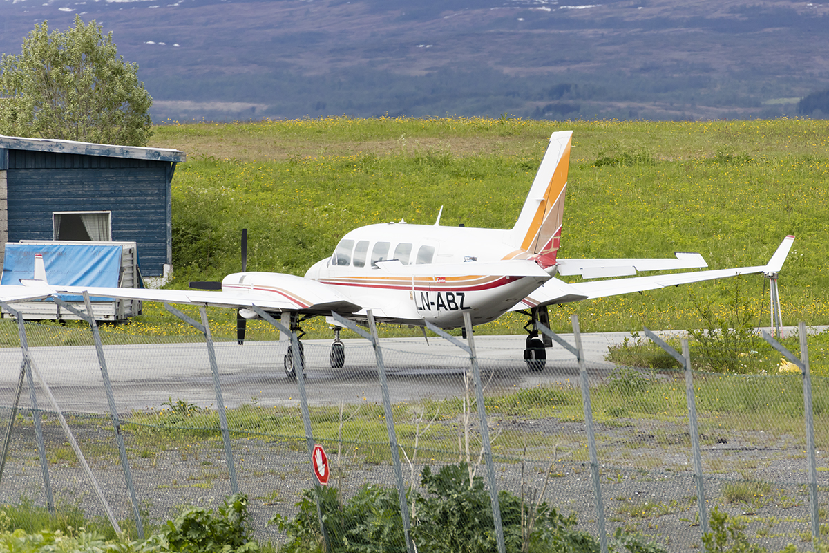 Private, LN-ABZ, Piper, PA-31-350 Chieftain, 20.06.2017, TOS, Tromso, Norway