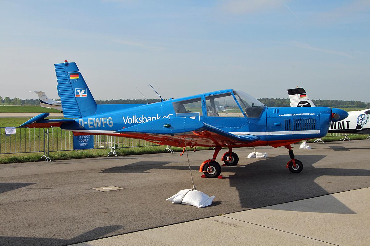 Sportflugzeuge Zlin Aviation, 43 Fotos - Flugzeug-bild.de