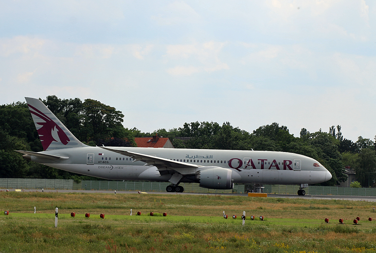 Qatar Airways, Boeing B 787-8 Dreamliner, A7-BCG, TXL, 03.07.2020
