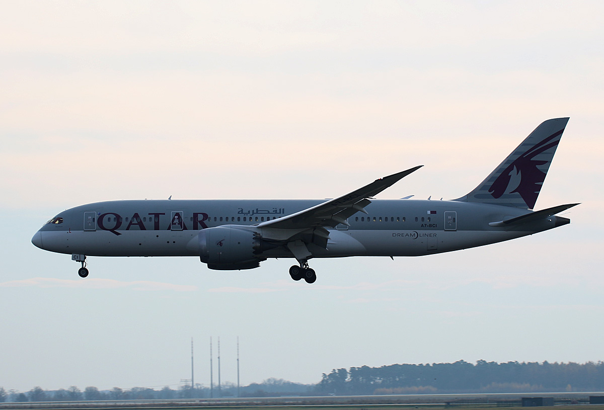 Qatar Airways, Boeing B 787-8 Dreamliner, A7-BCI, BER, 06.12.2020