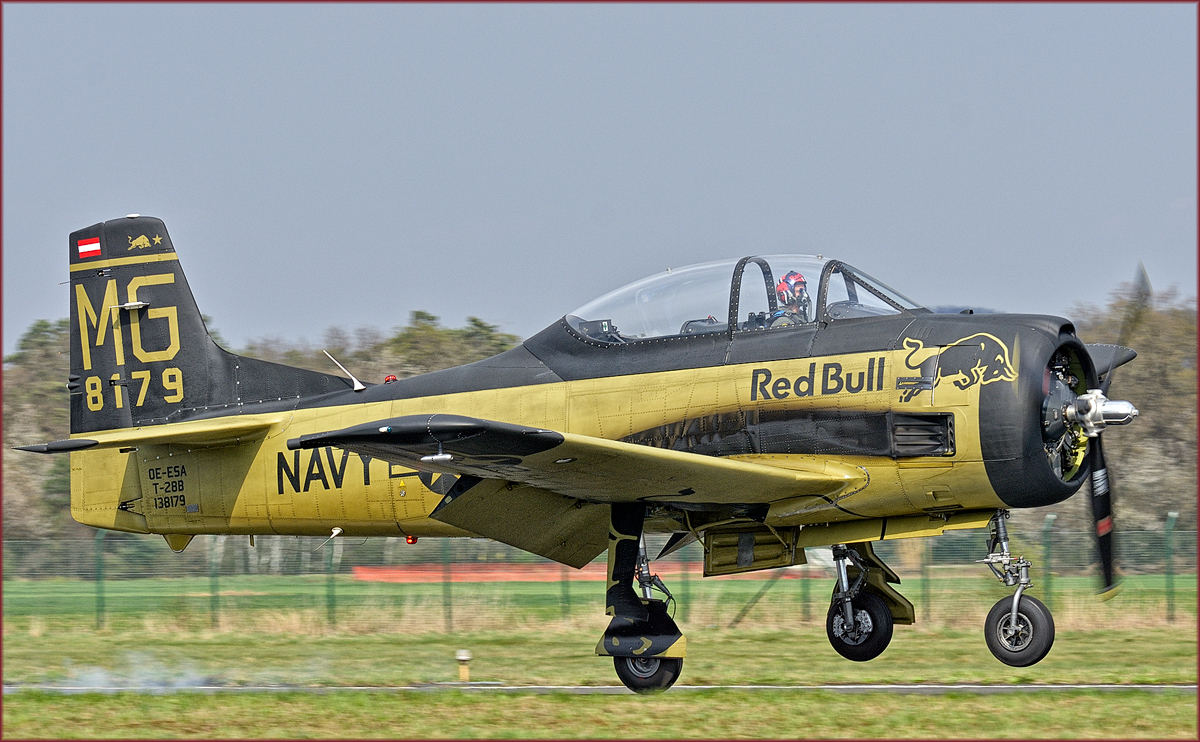 Red Bull OE-ESA; North American T28B Trojan; Maribor Flughafen MBX, Flying Bulls Training Camp; 3.4.2019