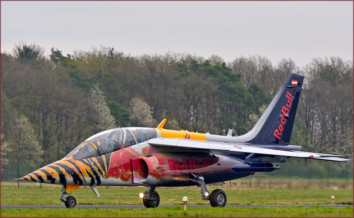 Red Bull OE-FAS; AMD Alpha Jet; Maribor Flughafen MBX, Flying Bulls Training Camp; 6.4.2019