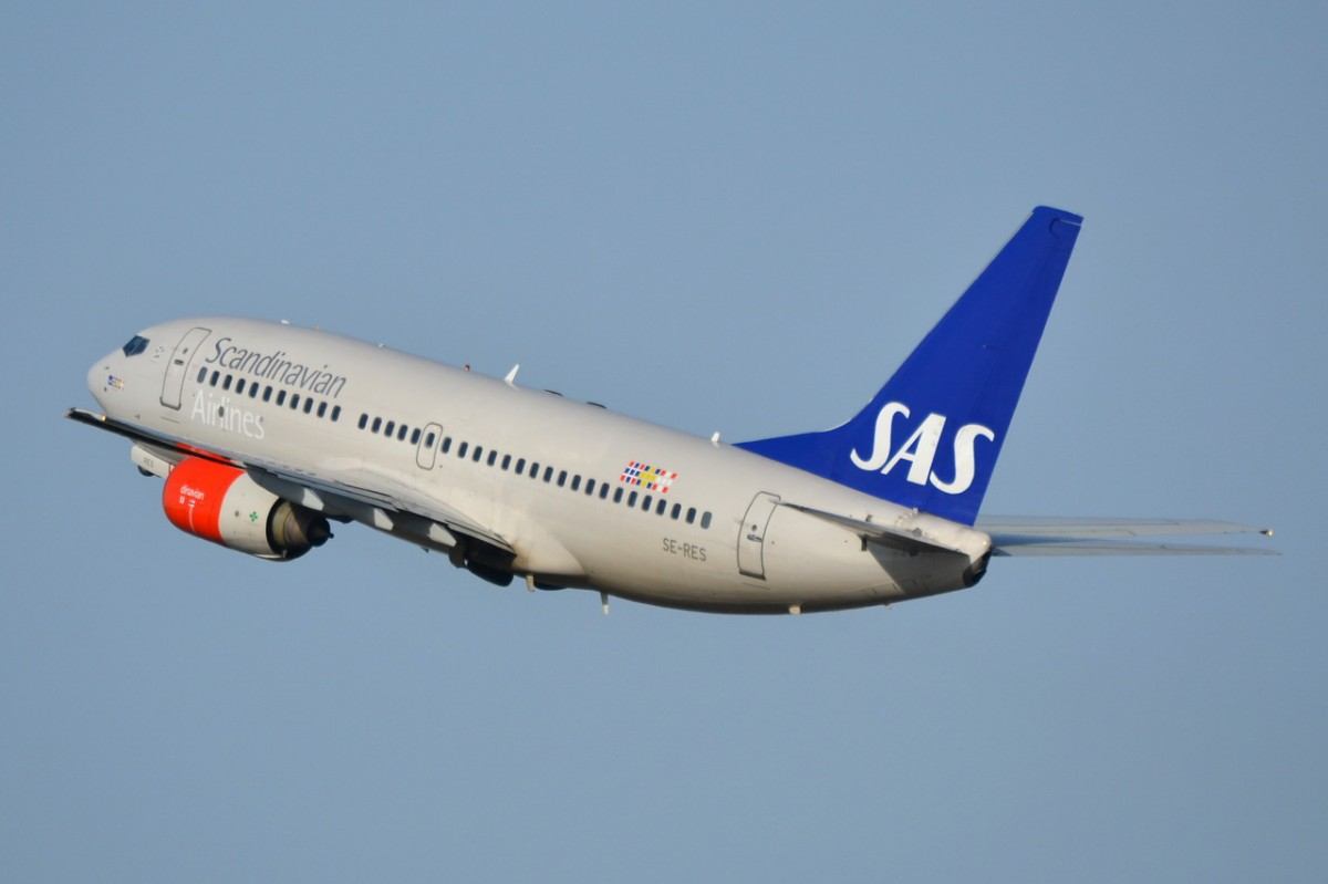 scandinavian airlines and lufthansa 38 reviews of scandinavian airlines sas is not the worst airline but its simply a standard basic budget airline people are packed in, the flight attendants are brusque and cool, and there are no amenities .