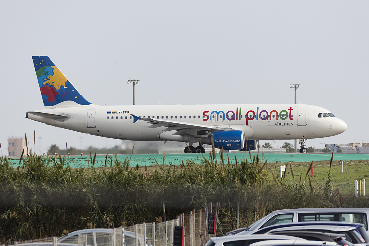 Small Planet, LY-SPG, Airbus, A320-232, 26.10.2016, AGP, Malaga, Spain