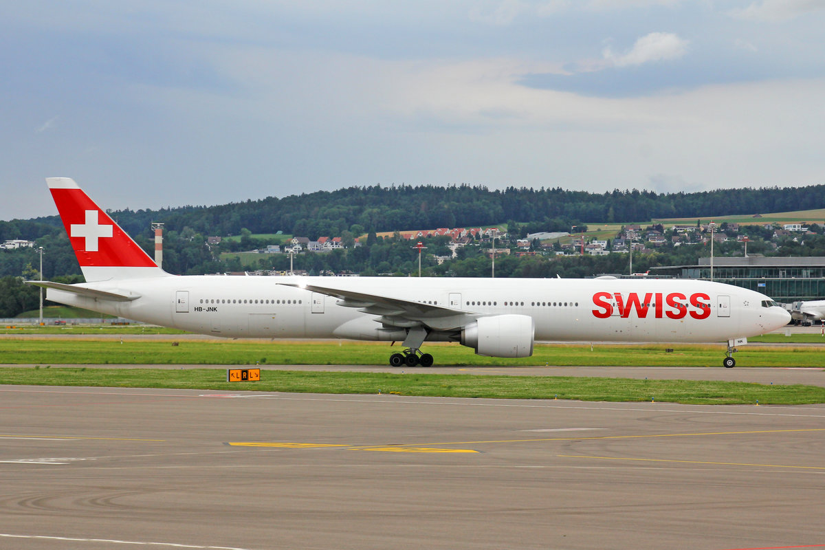 SWISS International Air Lines, HB-JNK, Boeing 777-3DEER, msn: 66091/1631,  Luzern , 28.Juni 2020, ZRH Zürich, Switzerland.