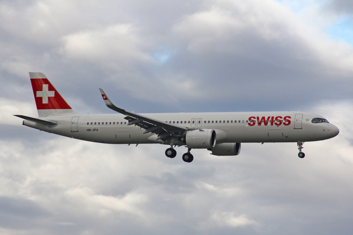 SWISS International Air Lines, HB-JPA, Airbus A321-271NX, msn: 6417,  Stoos , 11.Oktober 2020, ZRH Zürich, Switzerland.