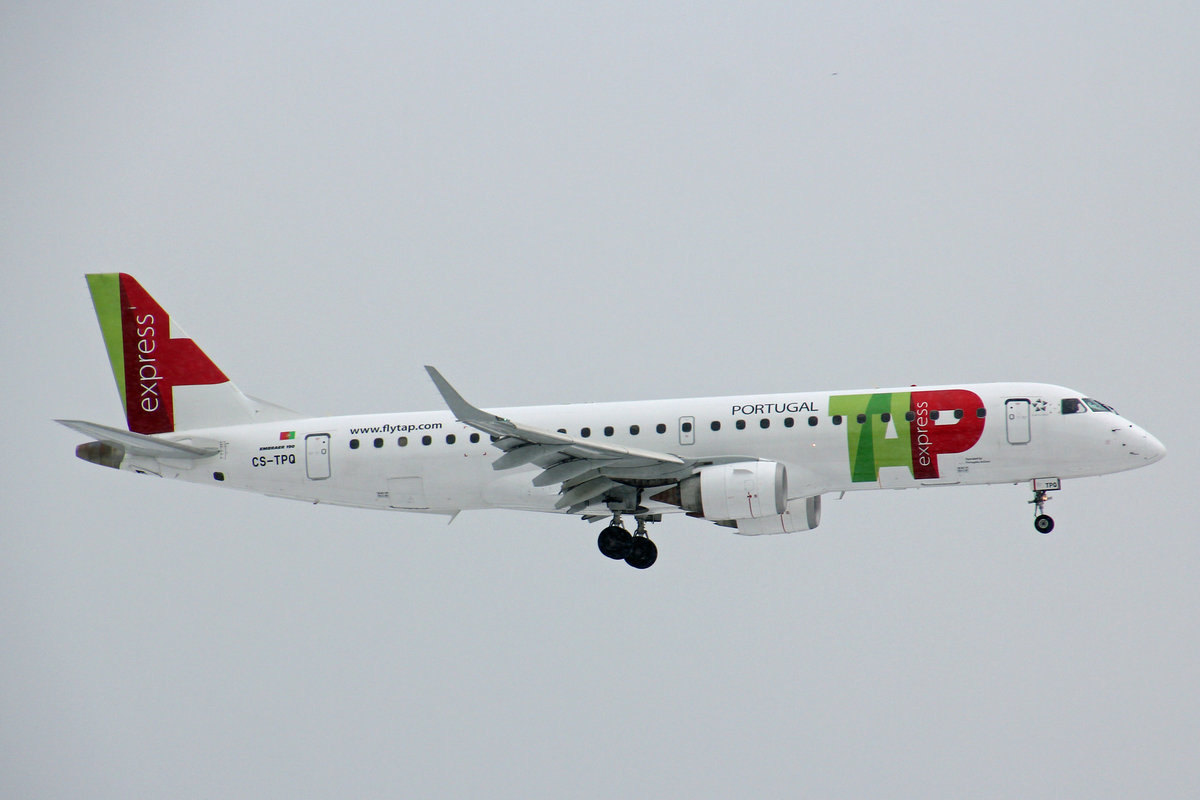 TAP Express, (Operated by Portugalia Airlines), CS-TPQ, Embraer Emb-190LR,  Faro , 18.Januar 2017, ZRH Zürich, Switzerland.