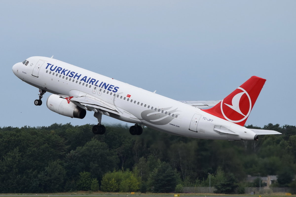TC-JPT Turkish Airlines Airbus A320-232 , 15.08.2019 , TXL