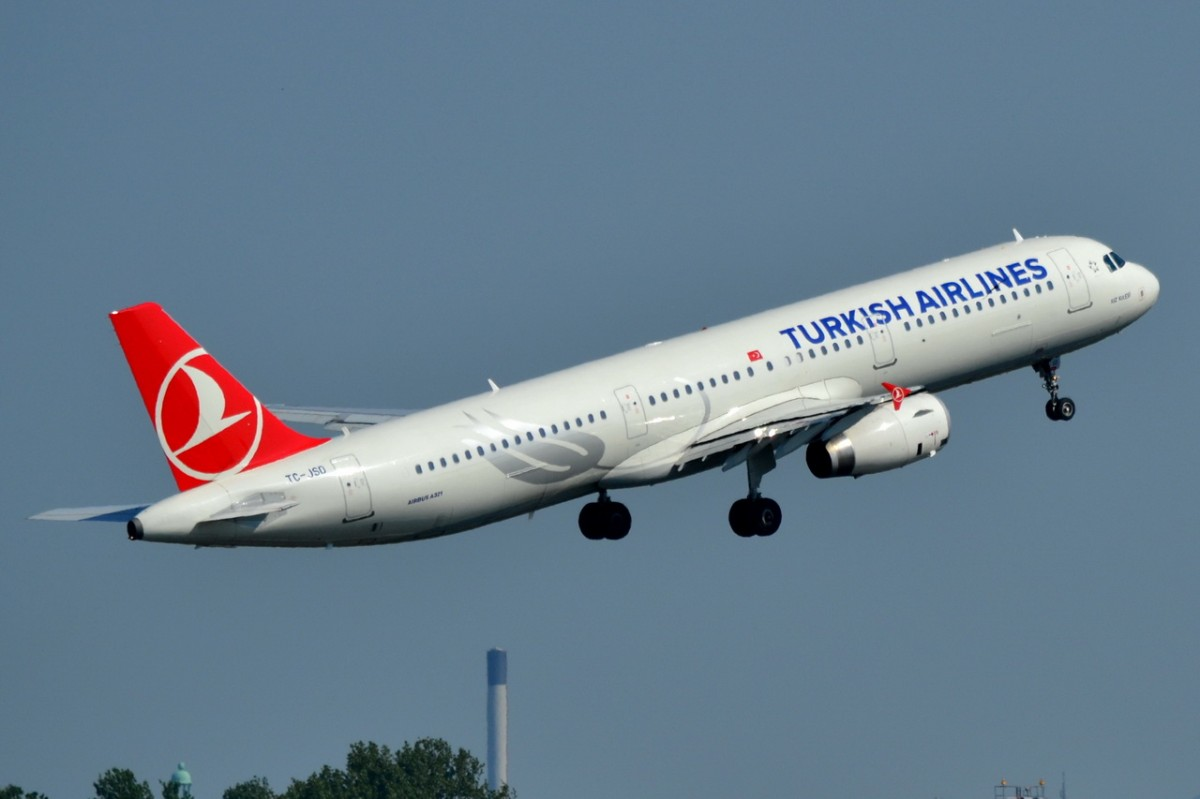 TC-JSD Turkish Airlines Airbus A321-231    Start am 25.04.2014 in Tegel