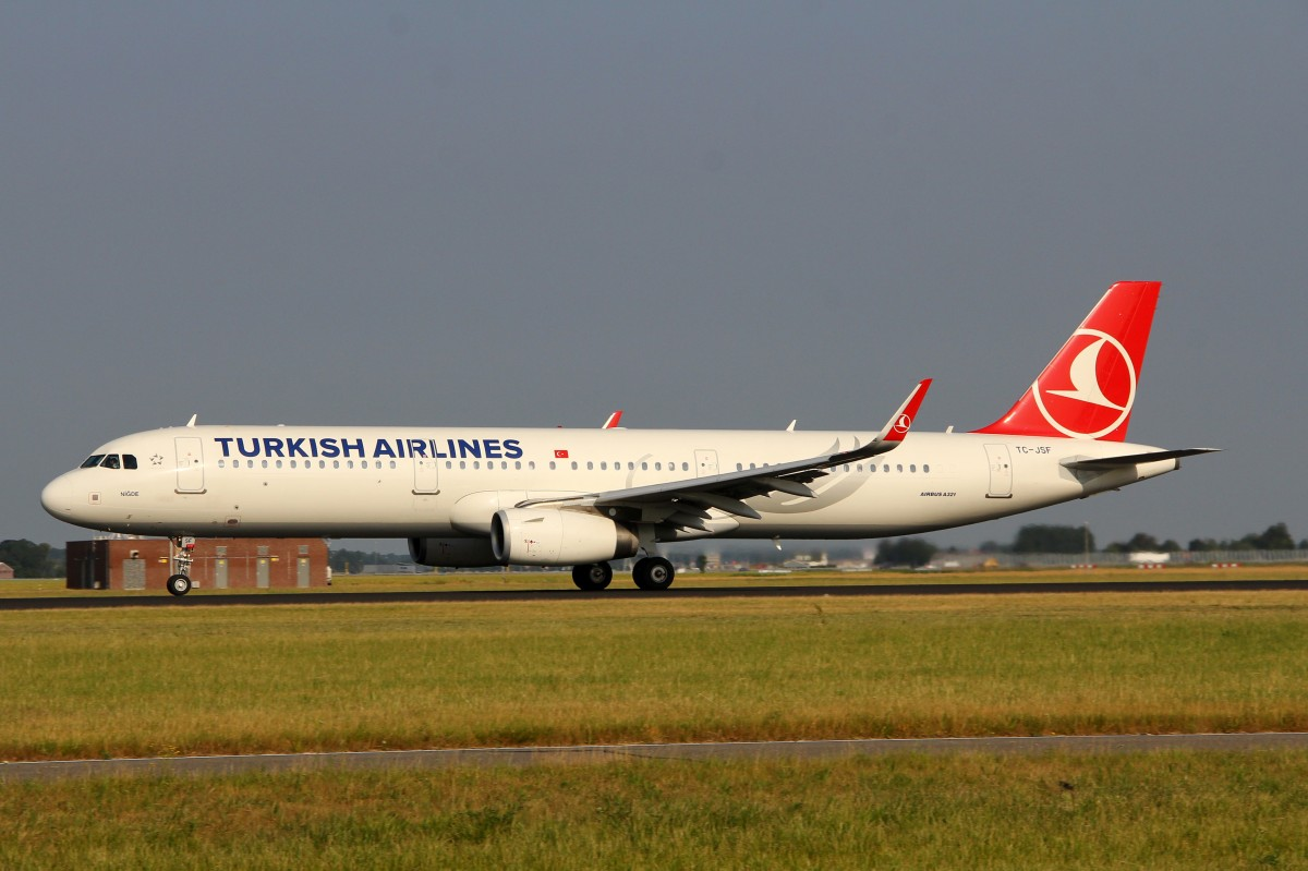Turkish Airline, TC-JSF, Airbus A321-231 (W), 4.Juli 23015, AMS Amsterdam, Netherlands.