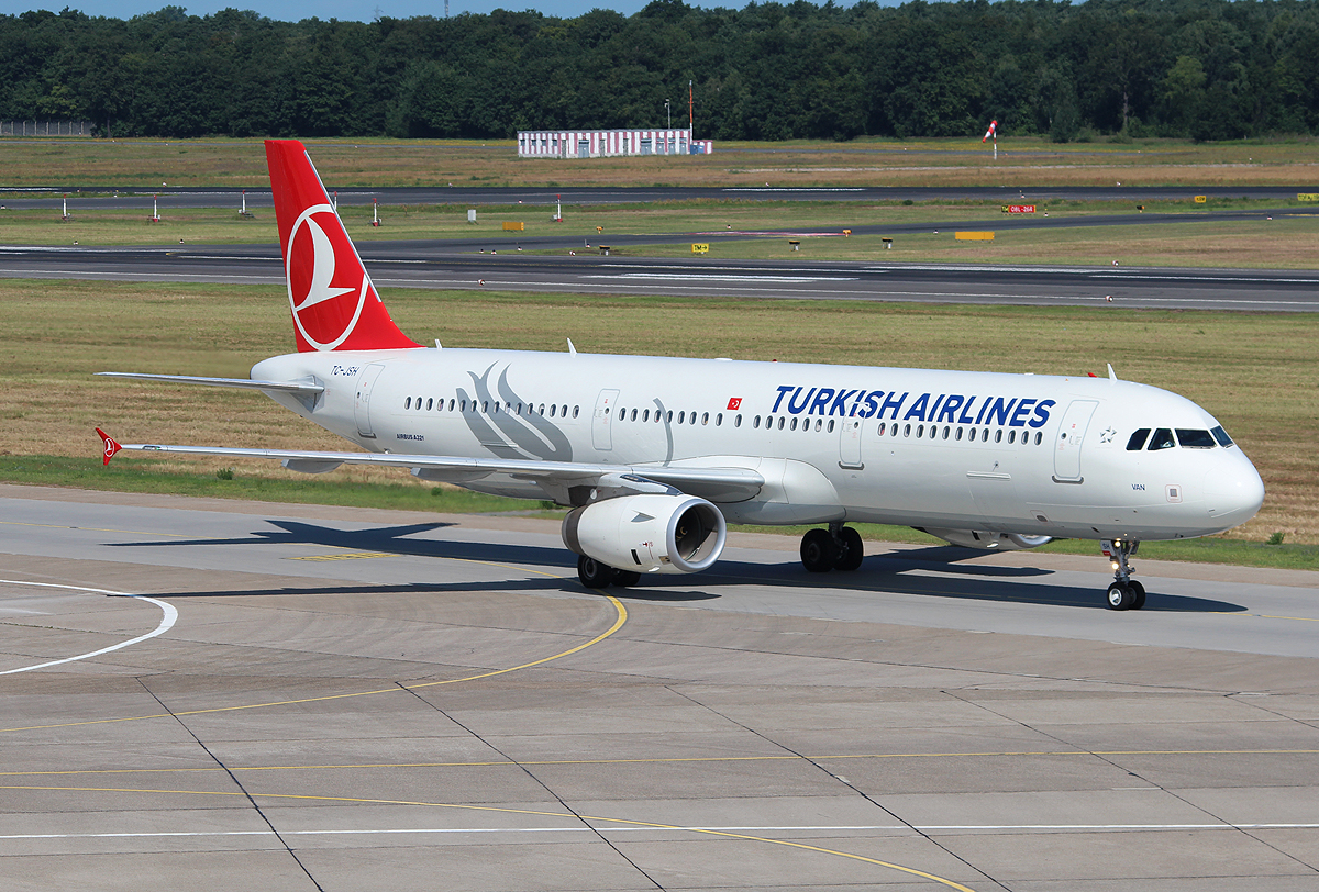 Turkish Airlines A 321-231 TC-JSH bei der Ankunft in Berlin-Tegel am 06.07.2013
