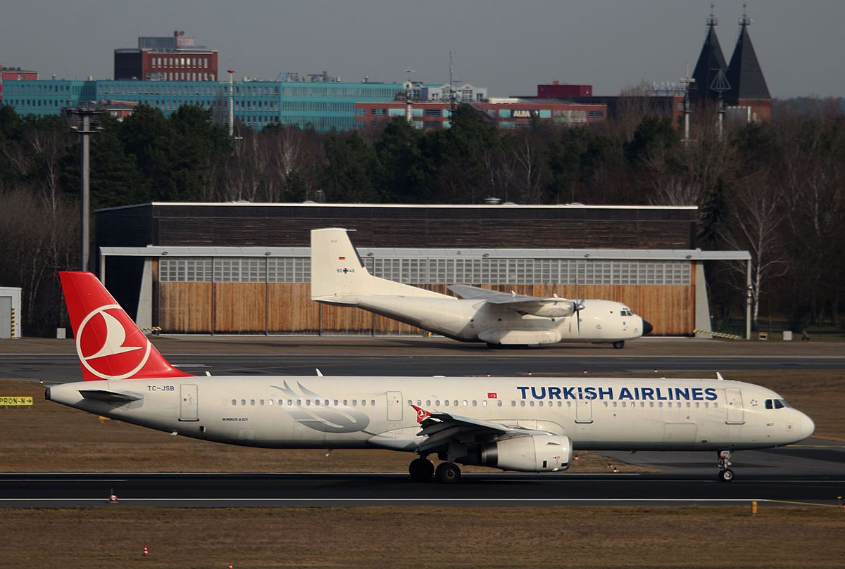 Turkish Airlines, Airbus A 321-231, TC-JSB, Germany Air Force, C-160D, 50+48, TXL, 04.03.2017