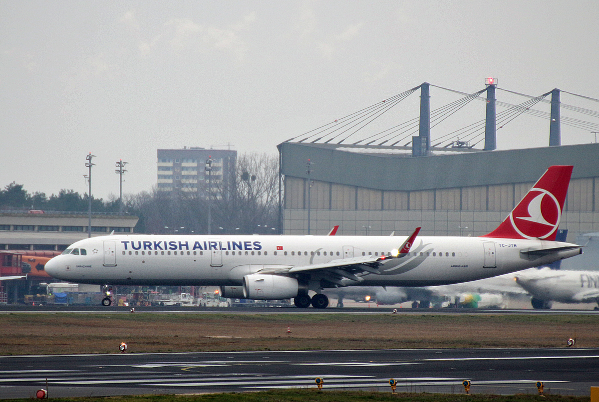 Turkish Airlines, Airbus A 321-231, TC-JTM. TXL, 16.12.2018