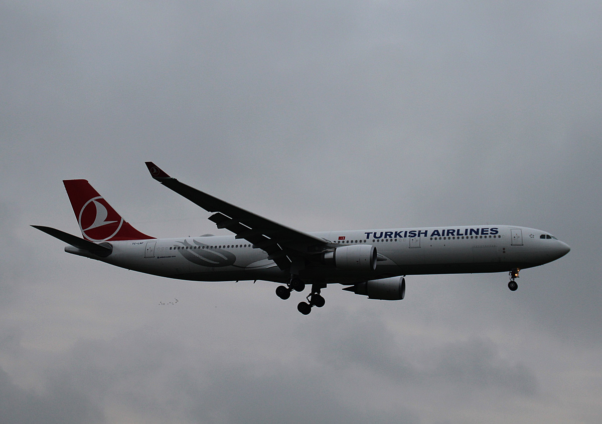 Turkish Airlines, Airbus A 330-303, TC-LNF, TL, 23.10.2016