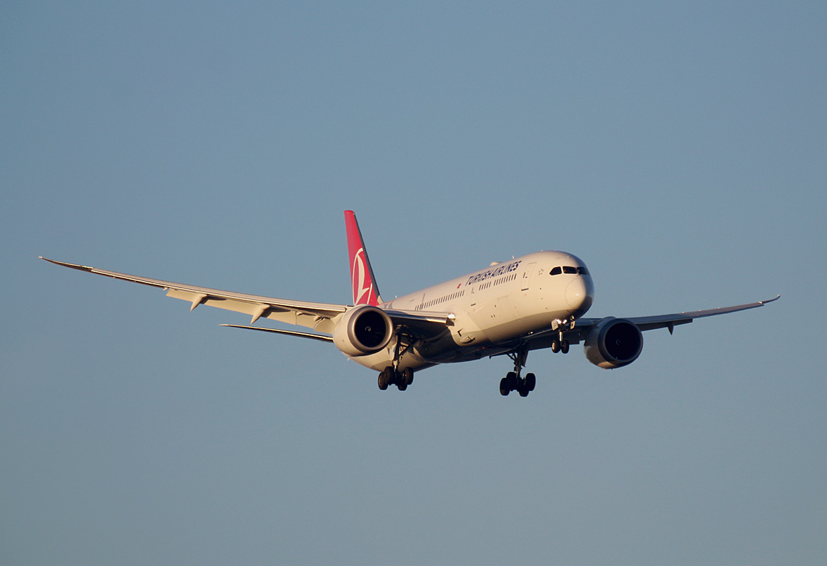 Turkish Airlines, Boeing B 787-9 Dreamliner, TC-LNN, BER, 19.12.2020