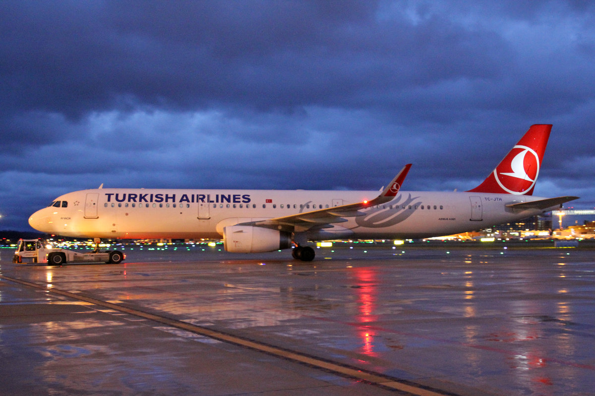 Turkish Airlines, TC-JTH, Airbus A321-231,  Ayvacık , 09.März 2019, ZRH Zürich, Switzerland.