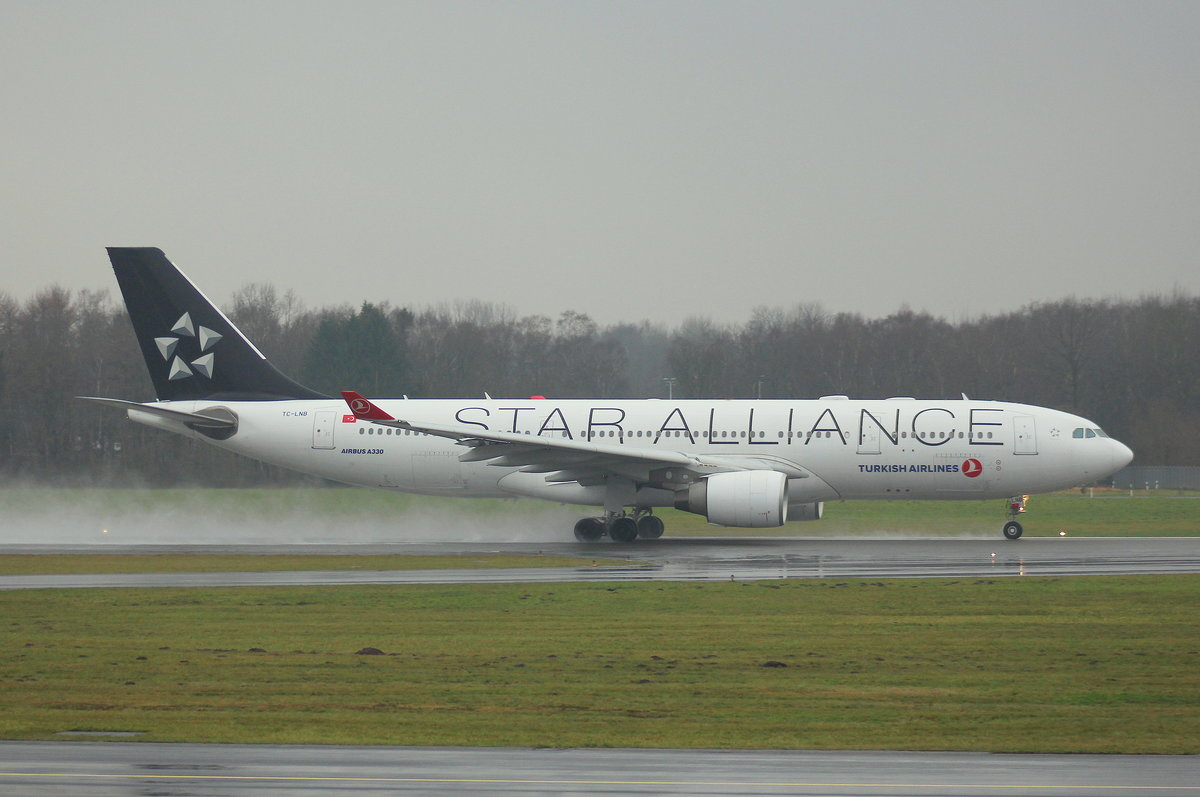 Turkish Airlines, TC-LNB, MSN 939, Airbus A 330-223,06.01.2018, HAM-EDDH, Hamburg, Germany (Star Alliance livery)