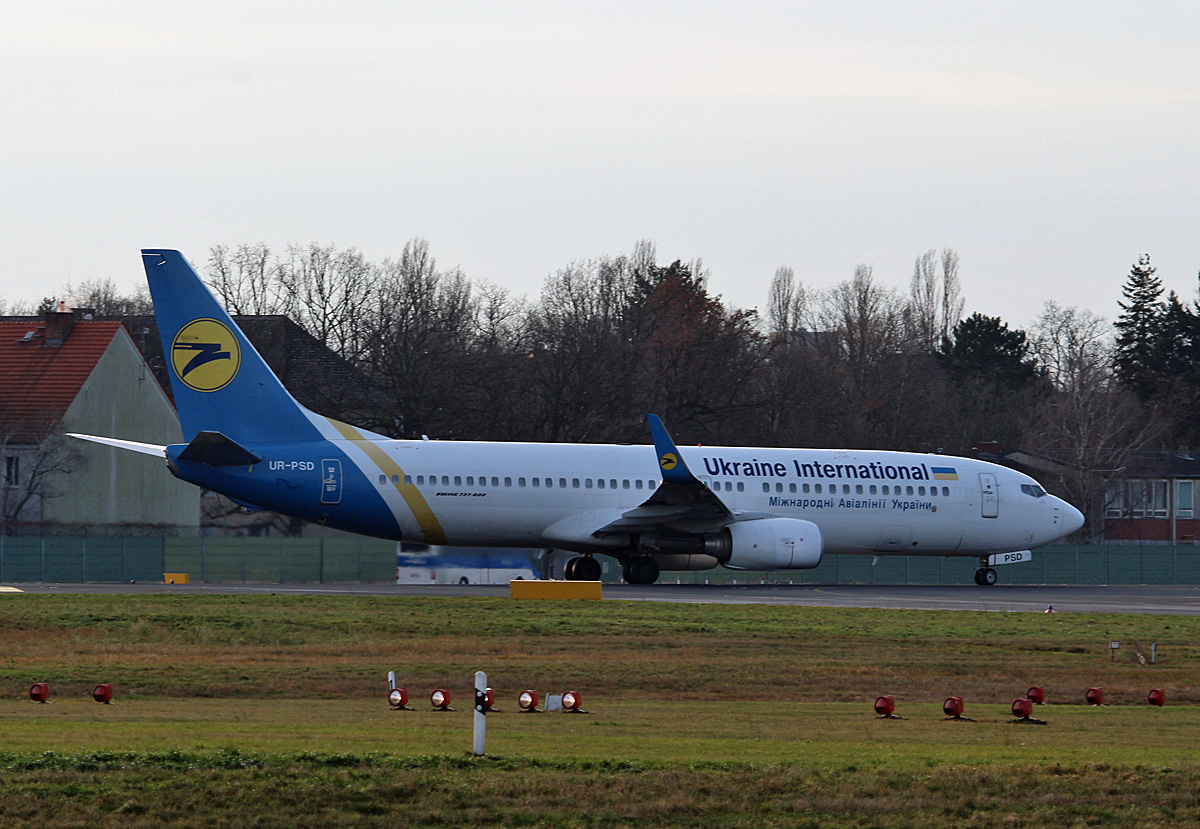 Ukraine International, Boeing B 737-8HX, UR-PSD, TXL, 10.12.2017