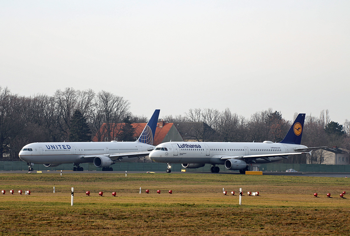 United Airlines, Boeing B 767-424(ER), N690559, Lufthansa, Airbus A 321-231, D-AISF  Lippstadt , TXL, 15.02.2020