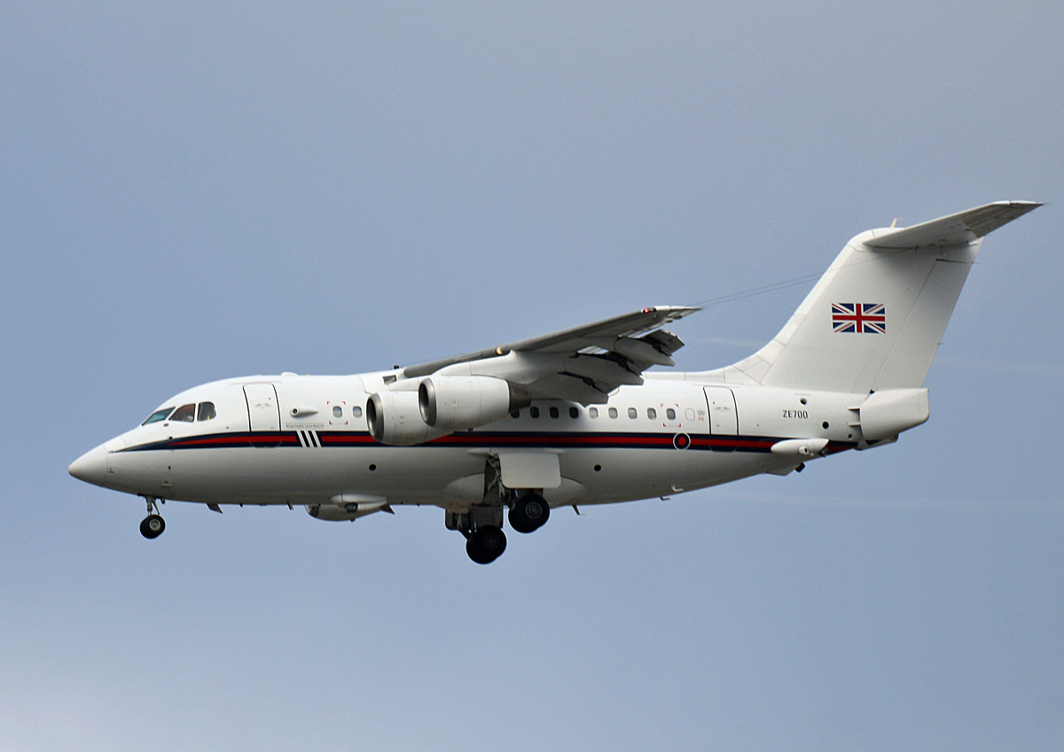 United Kingdom Air Force, BAe-146-100(CC2), ZE700, TXL, 19.01.2020
