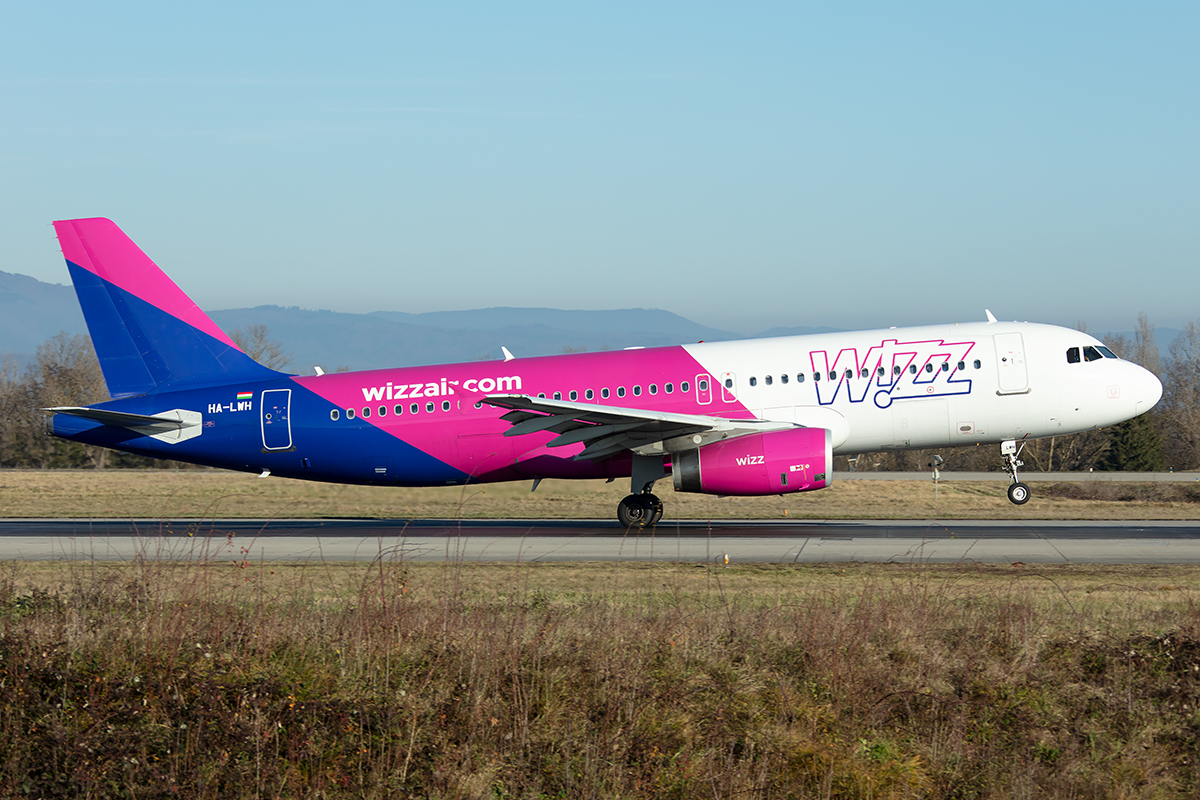 Wizz Air, HA-LWH, Airbus, A320-232, 30.12.2019, BSL, Basel, Switzerland