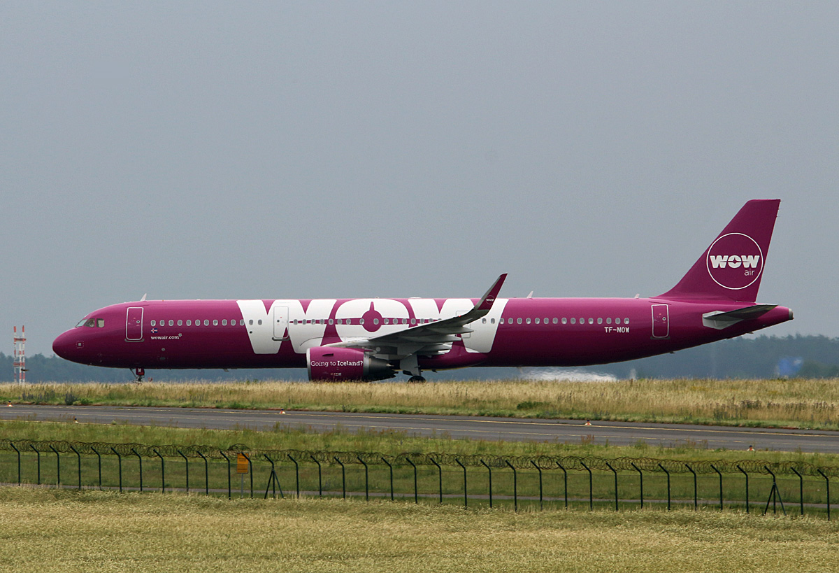 WOW Air, Airbus A 321-211, TF-NOW, SXF, 24.06.2017