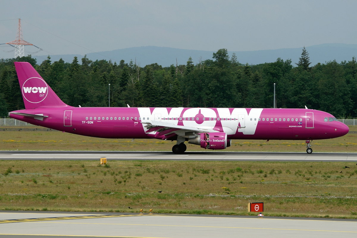 WOW air Airbus A321-211 TF-SON, cn(MSN): 5733,