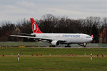 Turkish Airlines A 330-203 TC-JNB kurz vor dem Start in Berlin-Tegel am 29.11.2015